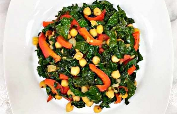 Garlicky Kale with Chickpeas