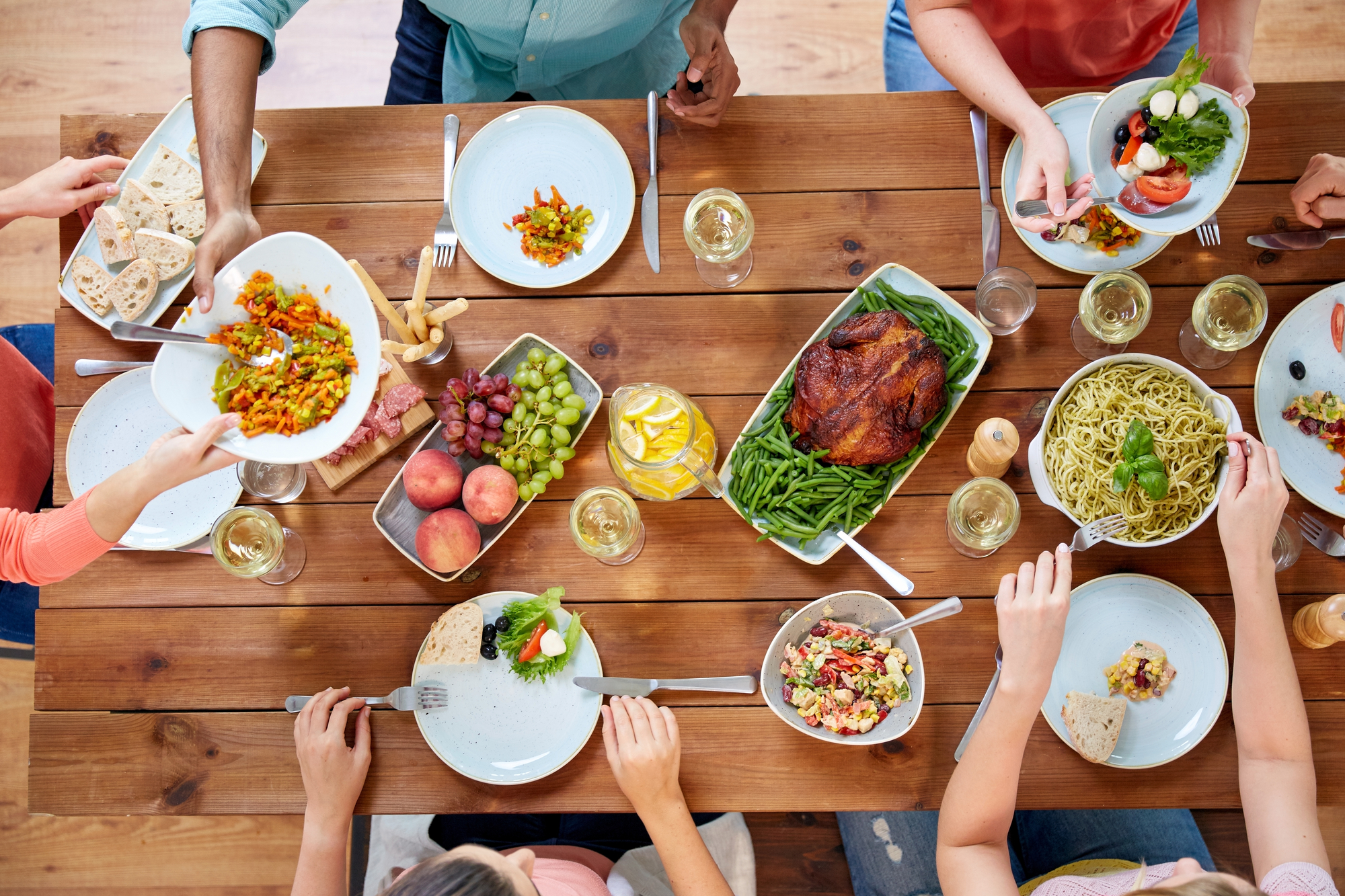 Family-style Meals: Benefits and Blueprint