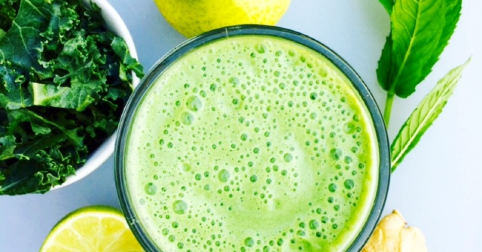 Pear Ginger Mint Green Smoothie